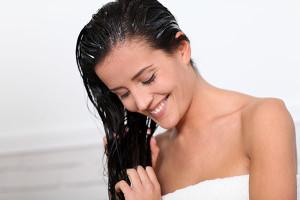 Traubenkernöl als Haarspülung und Haarkuren.